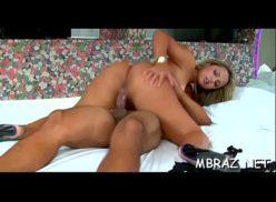 Loira no motel em videos porno caseiro com cara caado
