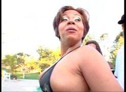 Super orgia com sexo na roça fodendo as vadias