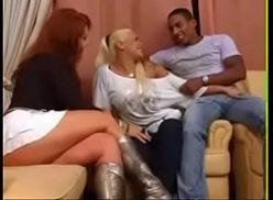 Negro de sorte em porno insesto com duas primas distantes