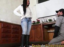 Mulher no tube porno fode com o encanador picudo