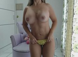 Loirona gpbh mostrando os peitos