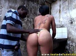 Negro da favela come safada no vidios pono