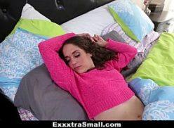 Uma mulher gata no www.sexo dando para o cara