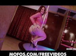 Safada bem linda mete no bom videos porno online