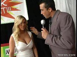 Chatirbate apresentador comendo mulher loira